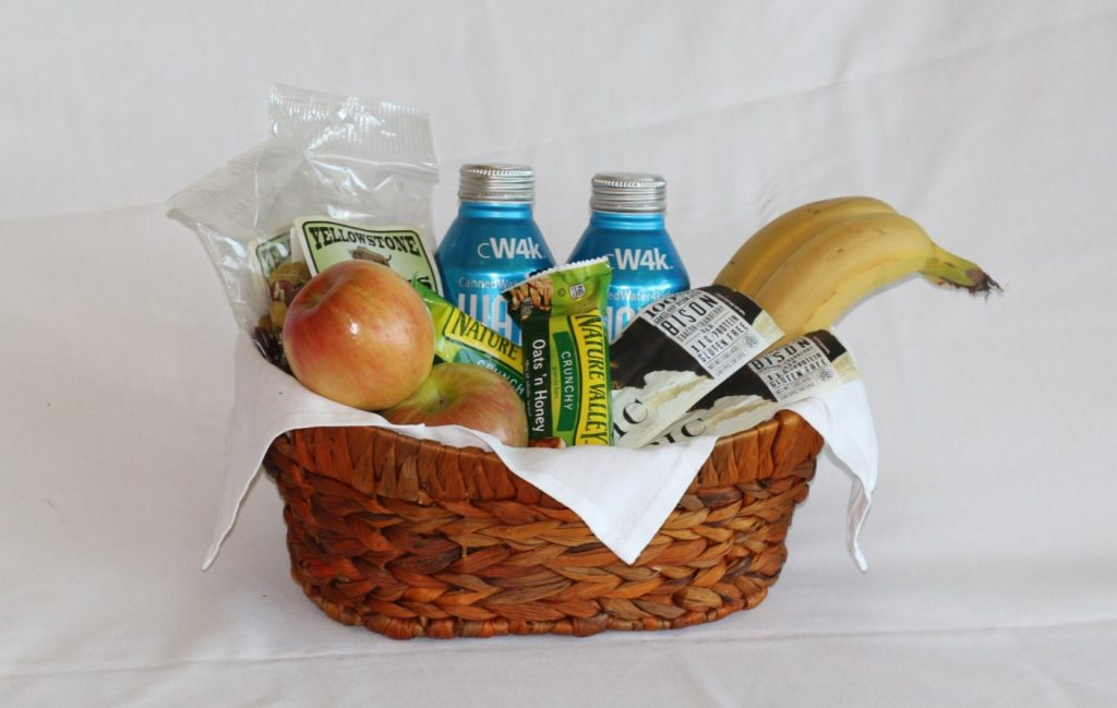 Hiking Basket with Fruits and Bars