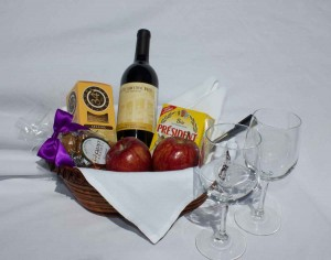 Lake-Hotel-125th-Anniversary-Red-Wine-and-Cheese-Basket