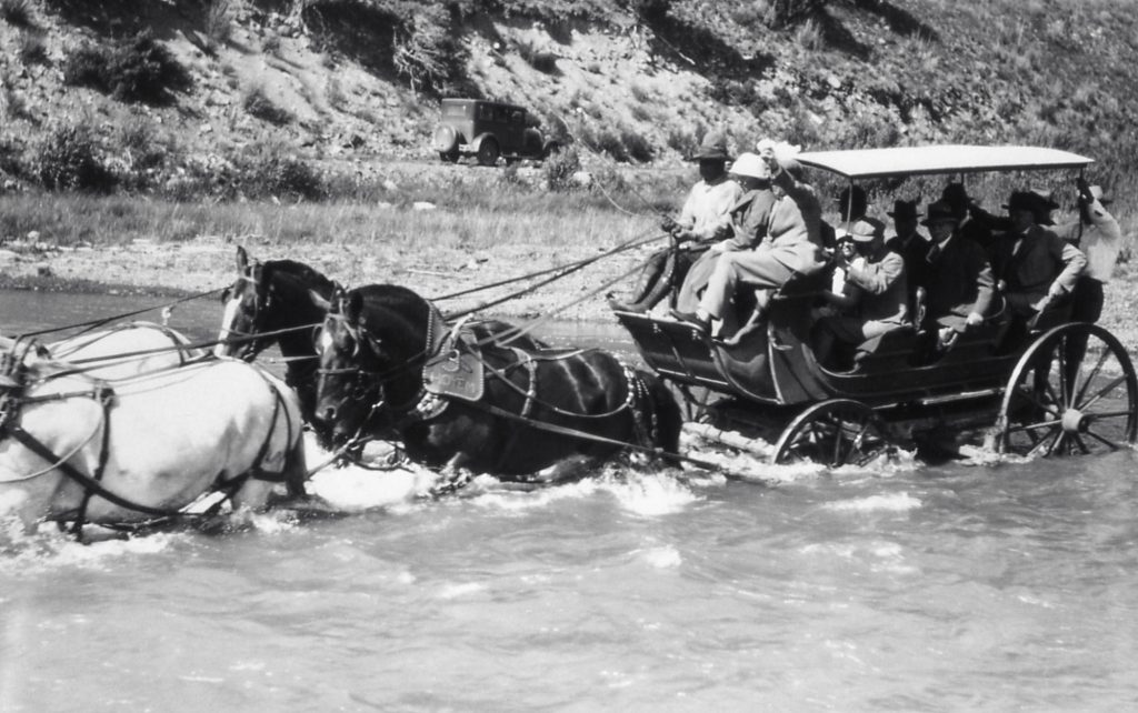 Old picture of a stagecoach