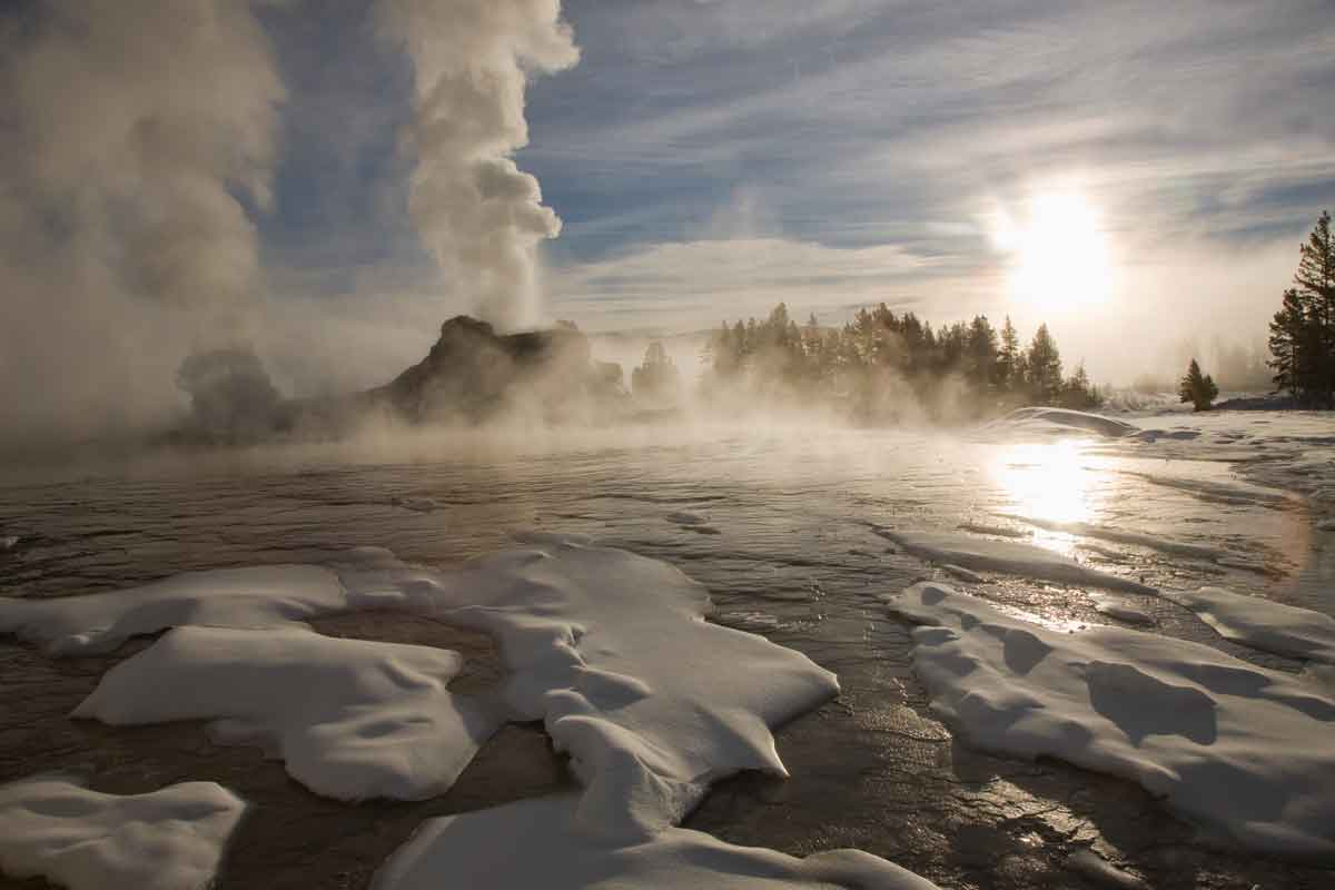 winter_castle-geyser
