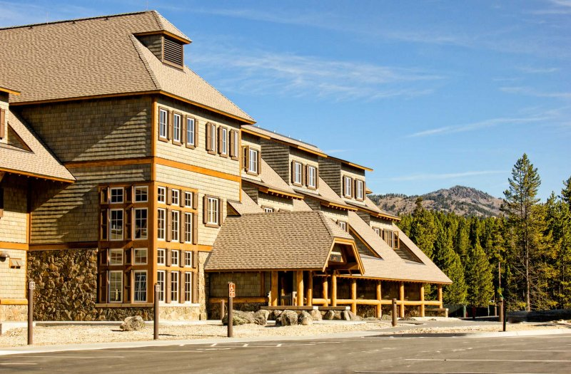 Canyon-Lodge-Exterior | on