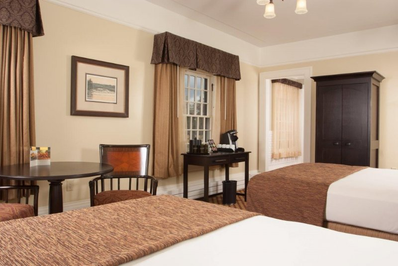 Lake Yellowstone Hotel - Room with 2 Queens