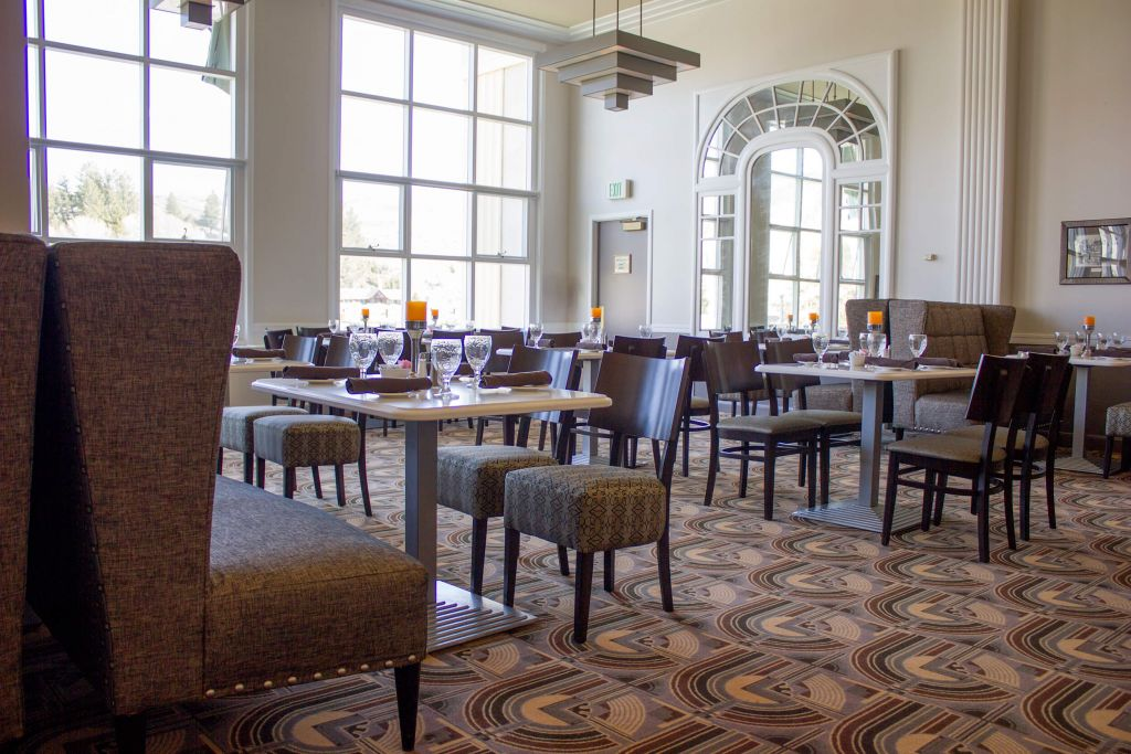 mammoth hotel dining room | dining option at mammoth hot springs