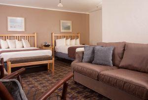 Old Faithful Inn - Junior Suite
