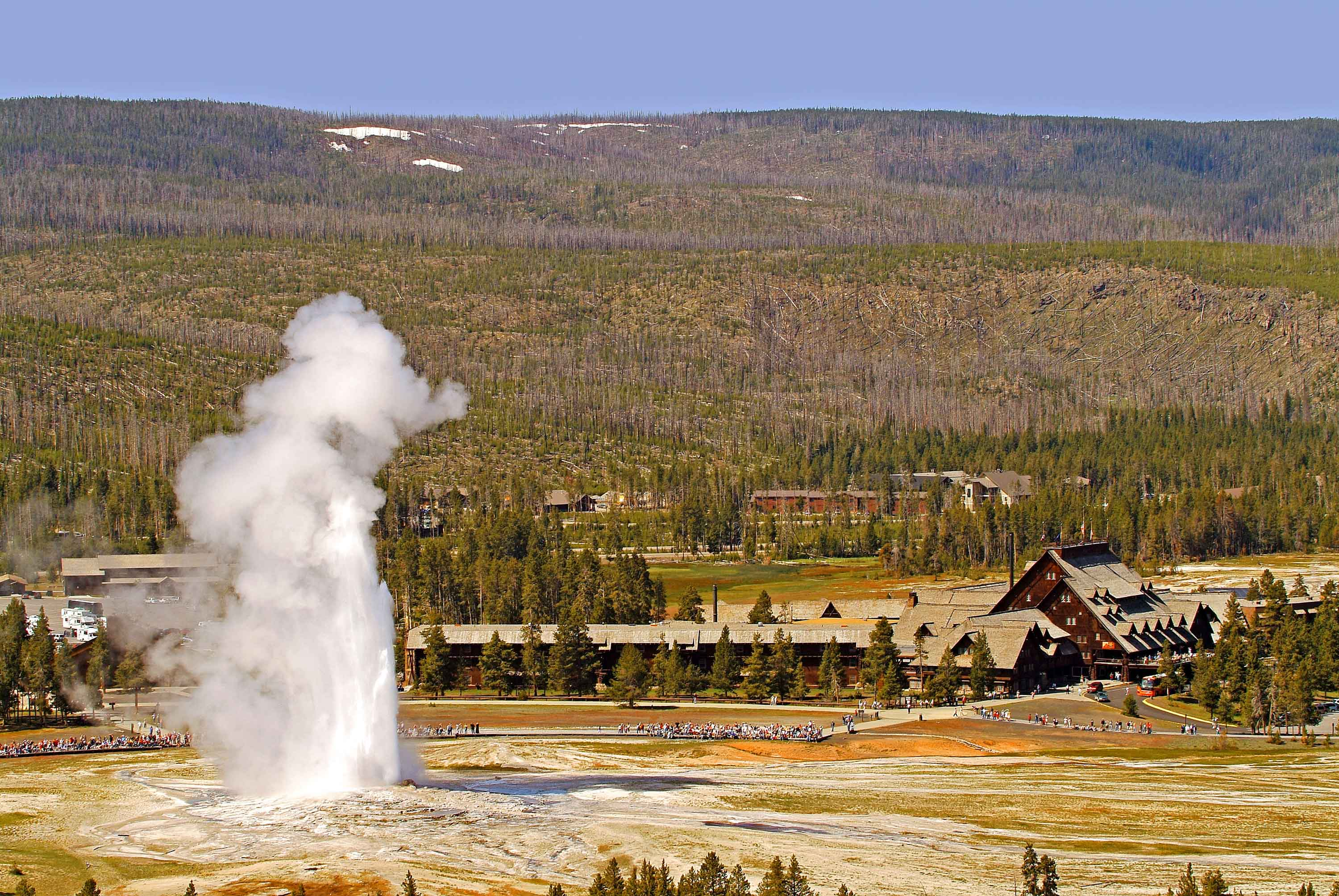 rentals chicago national trip park majestic yellowstone to road cabins cabin ghoomnaphirna yellowstones