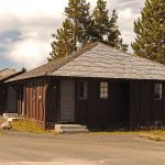 Old Faithful Lodge Cabins - Exterior