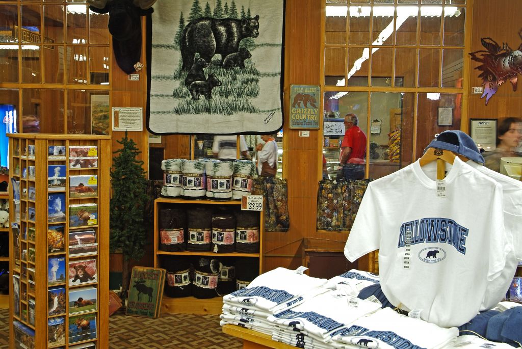 Shopping | Yellowstone National Park Lodges