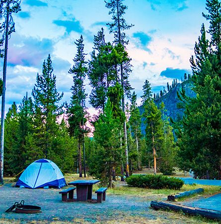 Stay | Yellowstone National Park Lodges
