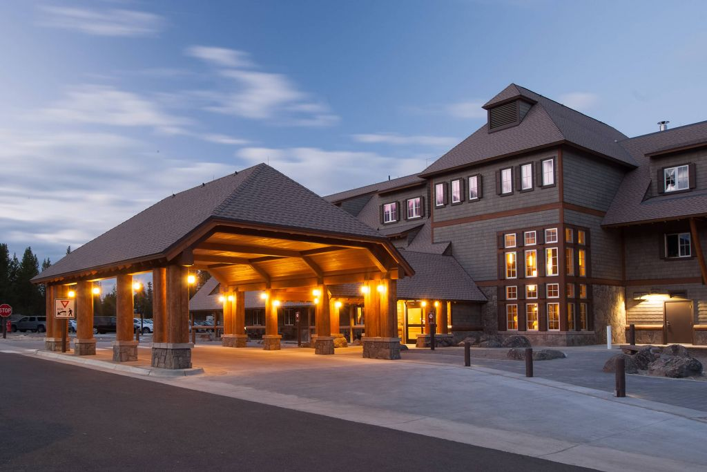 Yellowstone Park Hotel Reservations