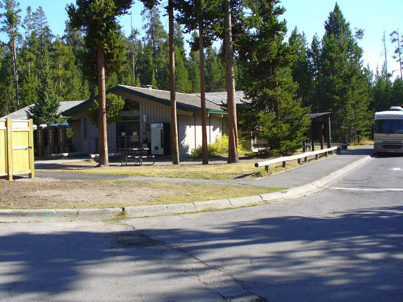 Fishing bridge rv park yellowstone national park lodges for Fishing bridge rv park