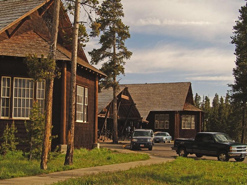Lake Lodge 02