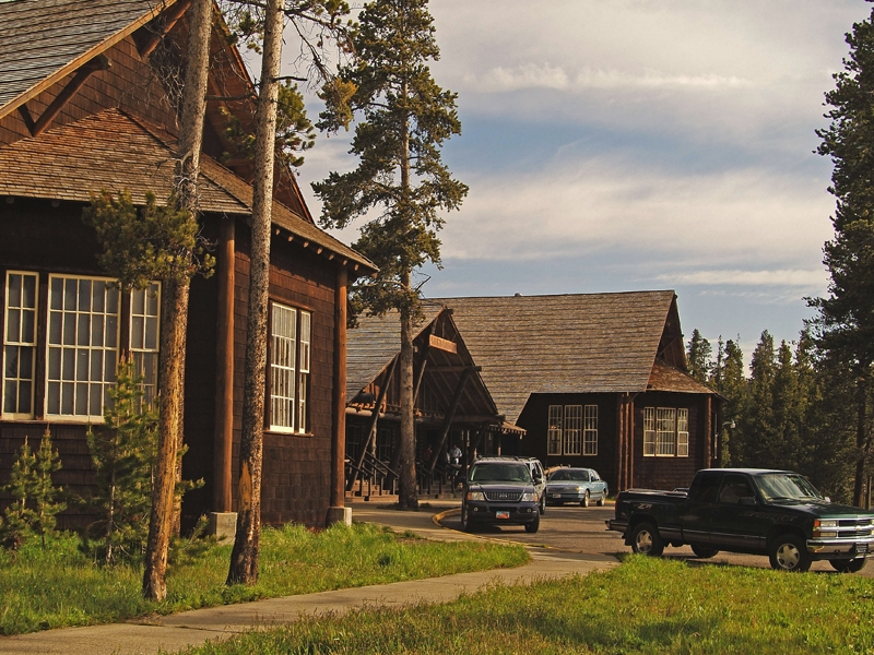 Lake lodge 02 for Cabins in wyoming near yellowstone
