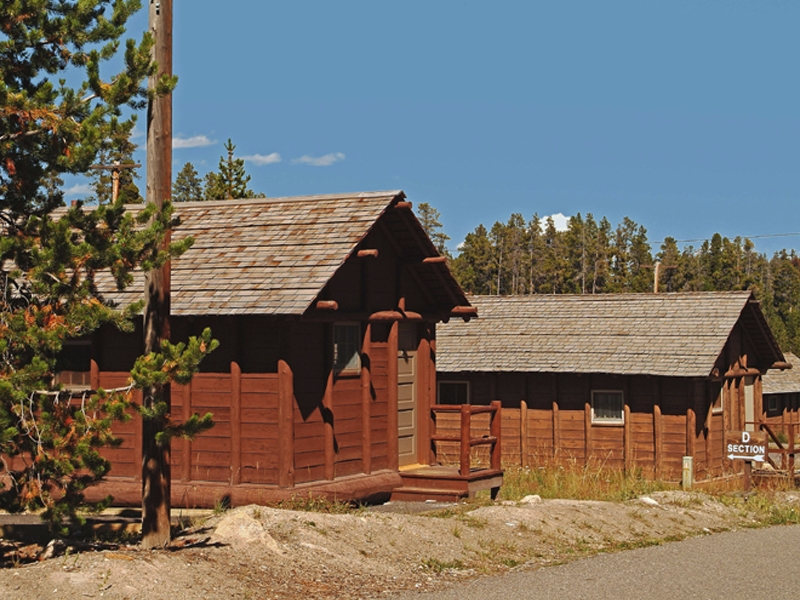 Lake Lodge Cabins 01