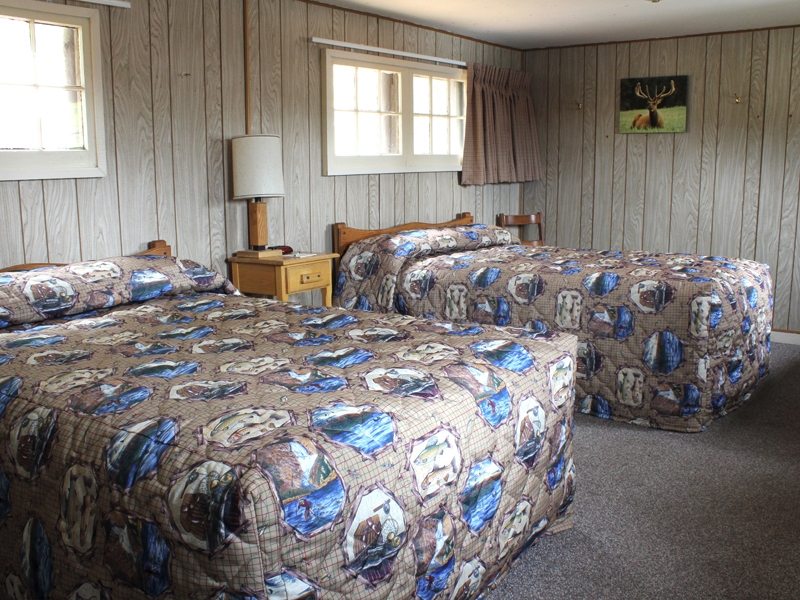 Lake Lodge Pioneer Cabin Two Beds 01