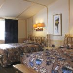 Lake Lodge - Western Cabins - Two Beds