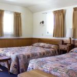 Lake Yellowstone Hotel - Frontier Cabin - Two Beds
