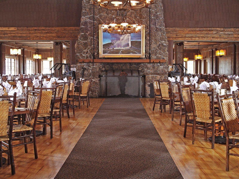 Old Faithful Inn Dining Room 03