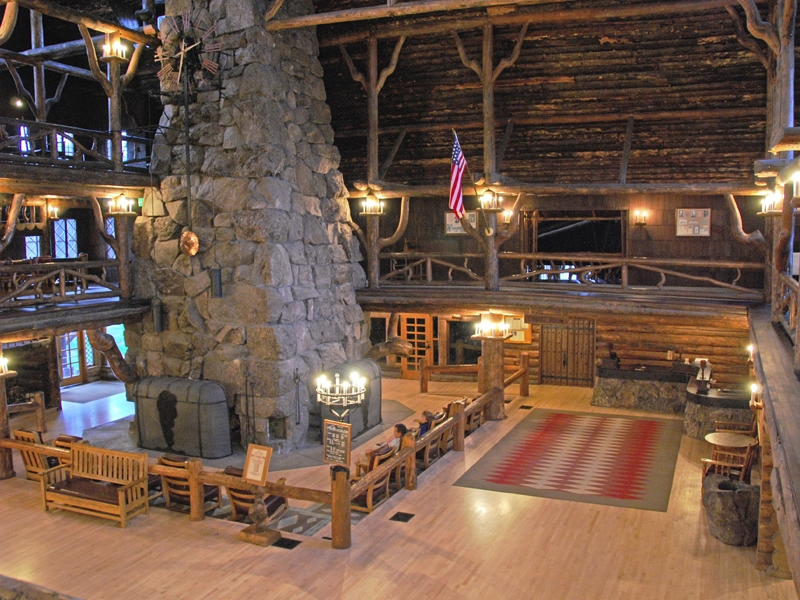Old faithful inn lobby 01 Yellowstone log cabin hotel