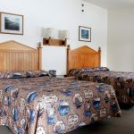 Old Faithful Snow Lodge Winter - Western Cabin - Two Beds