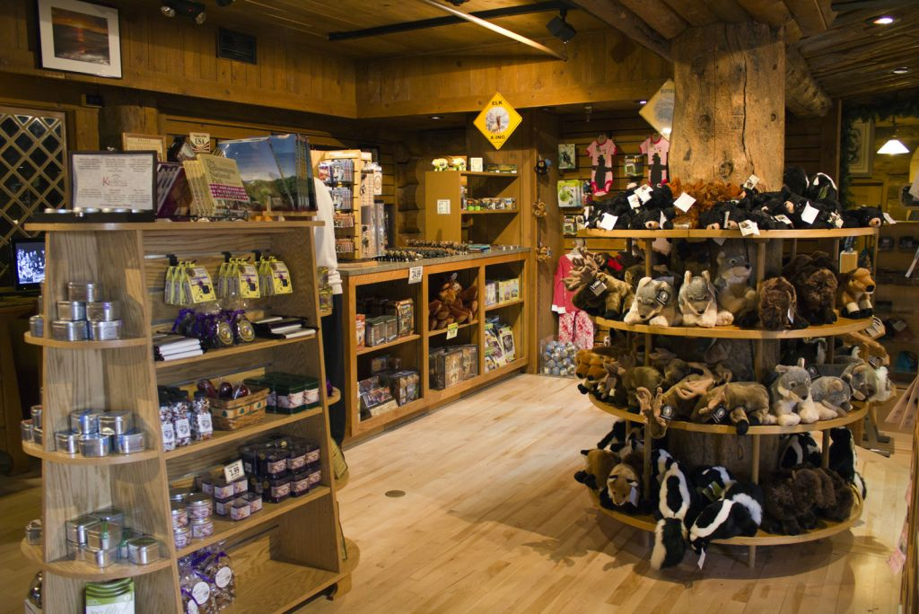 Old Faithful Inn Gift Shop