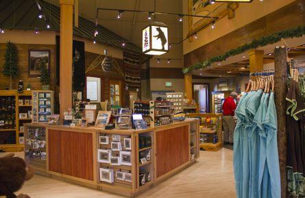 old Faithful Snow Lodge Gift Shop