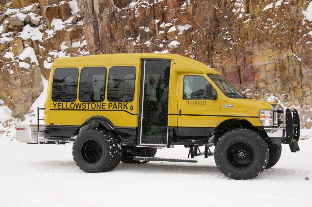 Vanterra snowcoach