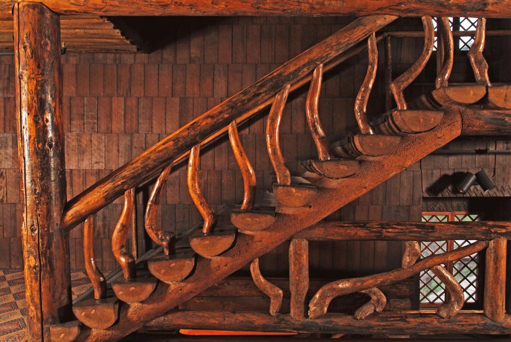 Old-Faithful-Inn-Stairs