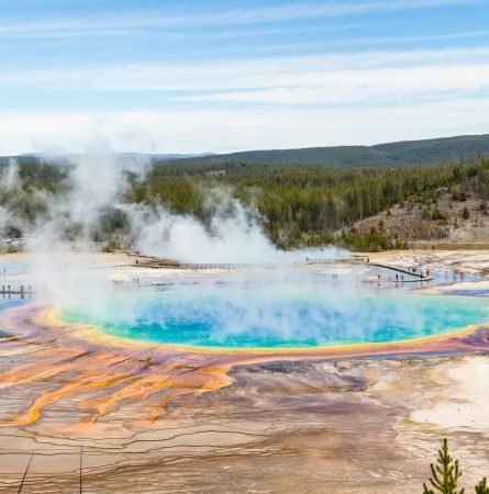 9 Reasons to Travel to Yellowstone in 2019!