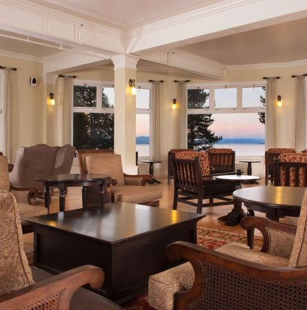 Romance of Lake Hotel