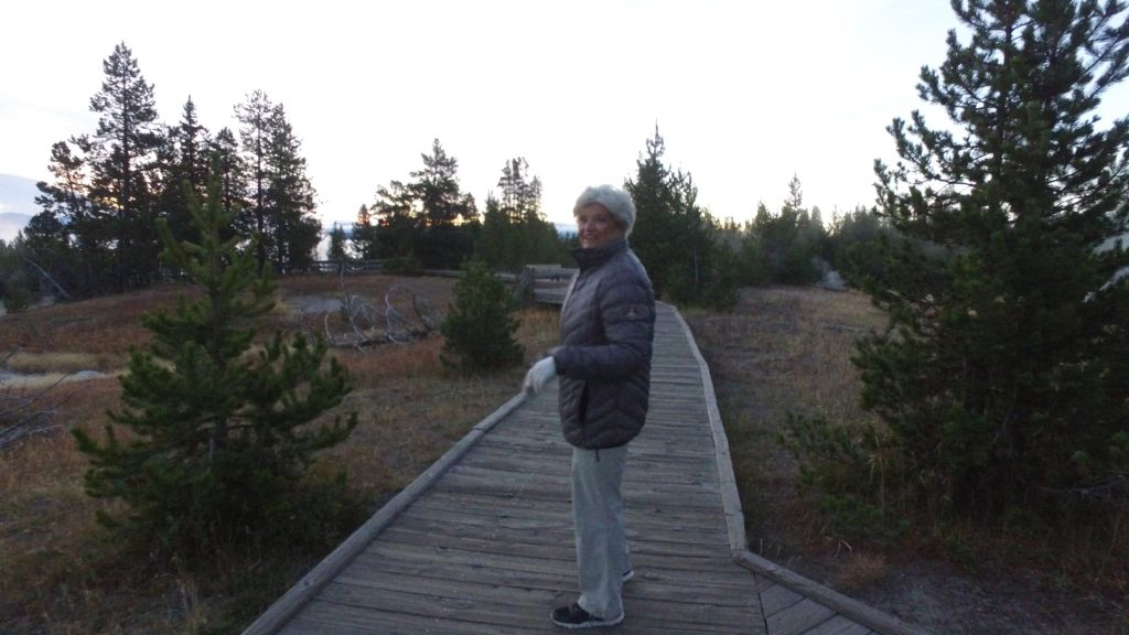 yellowstone jobs for retirees
