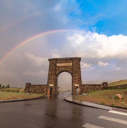 Re-Opening Plan For Lodging, Dining, Other Services In Yellowstone National Park